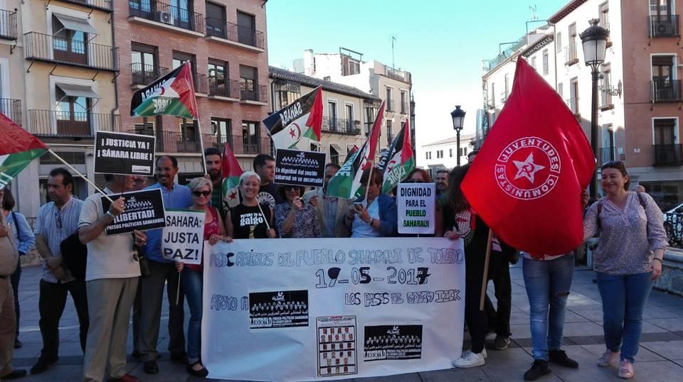 Concentración solidaria por los presos políticos de Gdeim Izik
