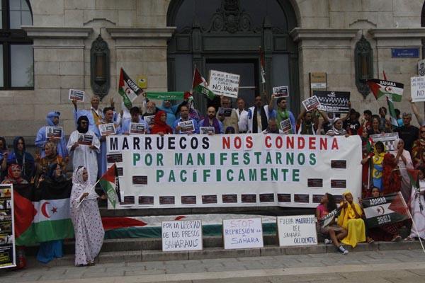 Concentración en Santander por los presos políticos saharauis de Gdeim Izik