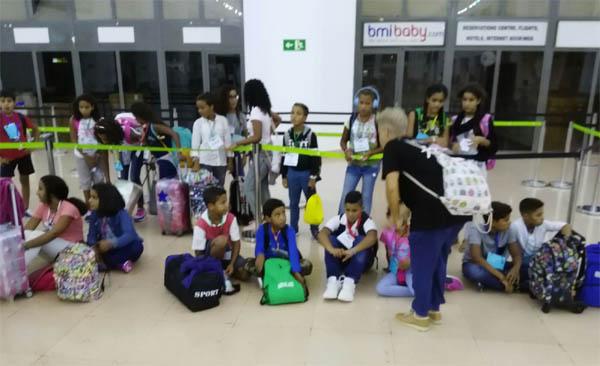 Regreso niños y niños saharauis de Vacaciones en Paz en Sevilla