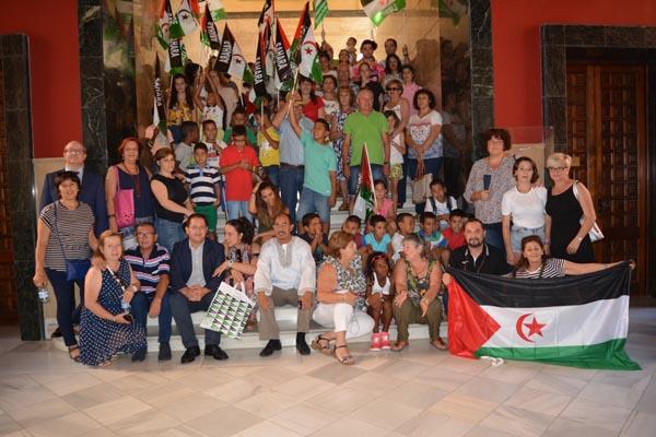 Recepción a niños y niñas de Vacaciones en Paz en la Diputación de Toledo