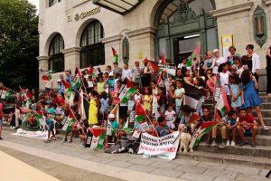 niños y niñas saharauies en la concentracion de cantabria